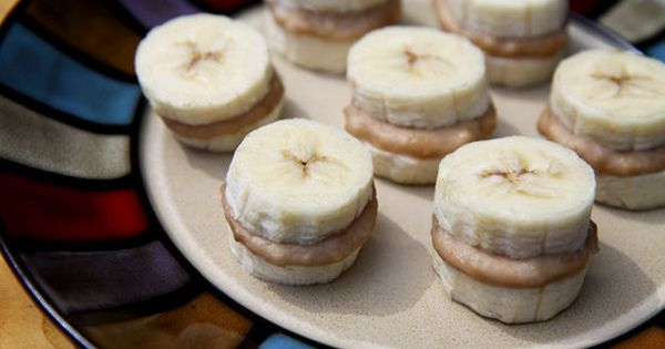 Frozen Banana and Peanut Butter Recipe - AWESOME healthy snack. LOVE this,