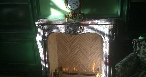 chemin e ancienne en marbre quip e de br leur bio thanol bio ethanol fireplace with old. Black Bedroom Furniture Sets. Home Design Ideas