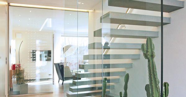 360 wilde villa in poing avantgarde ziegel und treppenhaus. Black Bedroom Furniture Sets. Home Design Ideas