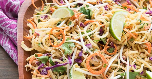 Pad Thai Salad with Spiralized Green Papaya and Spicy Peanut Dressing ...