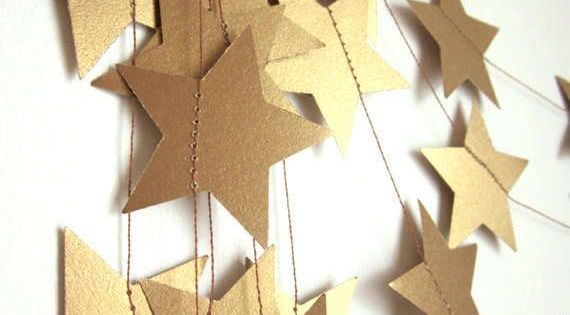 New Year's Party Printables and DIY: Gold star garland | Cool Mom