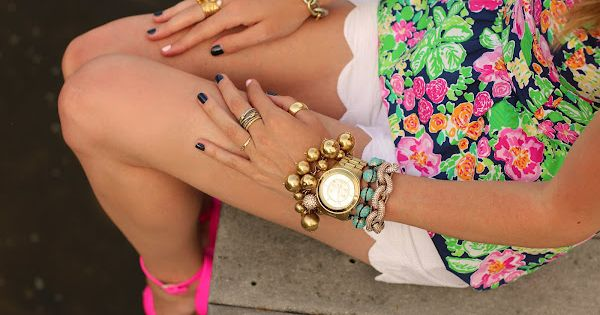 Dying over Blair's [Atlantic-Pacific] coordinated nails with our Gardenia Top in Mini