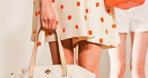 love the dress, love the orange handbag, love to eat cake for