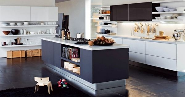 moderne küche-mit kochinsel-stauraum aufbewahrung-einbau, Kuchen deko