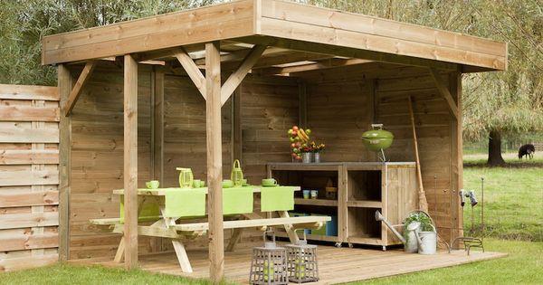 Houten terrasoverkapping voor uit de wind loungen in de tuin luxe buitenverblijf van hout met - Hout pergola dekking ...