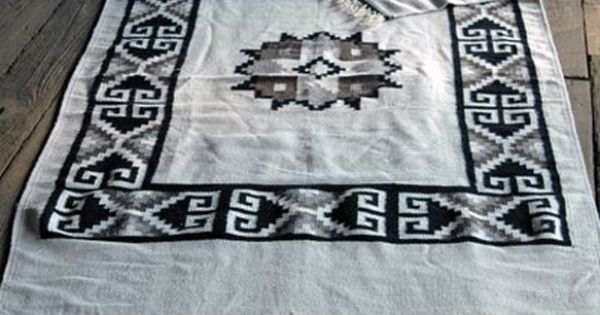 Vintage Native American Indian Rug in black and white
