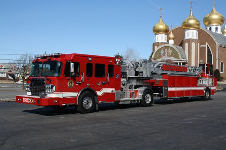 Spartan Erv Garfield Nj Fire Company 100 Foot Tractor Drawn Aerial Quint Gladiator Cab And Tractor Chassis Extreme Dut Fire Trucks Fire Engine Fire Rescue