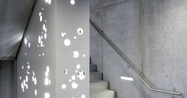 Moderner flur diele treppenhaus bilder treppenhaus for Diele gestalten
