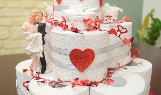 ... Torte aus Klopapier Geldgeschenk Klopapiertorte - kreativ und