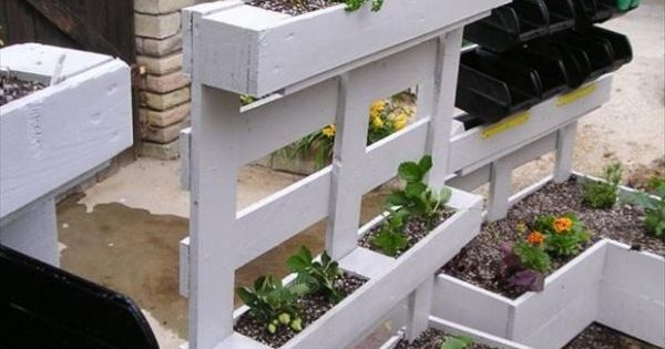 hochbeete blumen selber bauen paletten garten sichtschutz m bel aus paletten pinterest gardens. Black Bedroom Furniture Sets. Home Design Ideas
