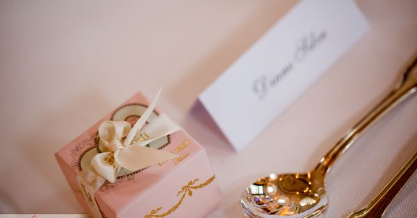 A Beautiful Gift For The Wedding Guests And In The Same Time Table Decoration Weddings