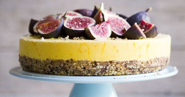 Hazelnut cake with Frozen Saffron Yogurt and Honey Drizzled Figs. Crust: 2