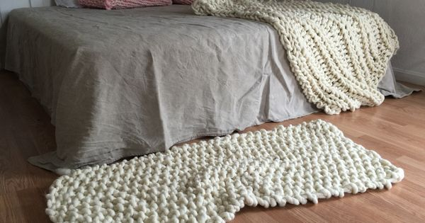 Nantucket Afghan Knitting Pattern : Knitted rug and Nantucket throw made with Loopy Mango Big ...