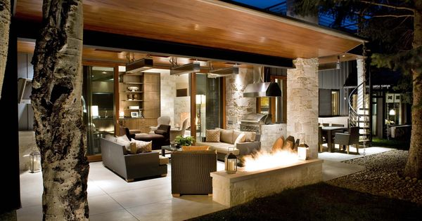 mid century modern decorating - Great outdoor space for entertaining!