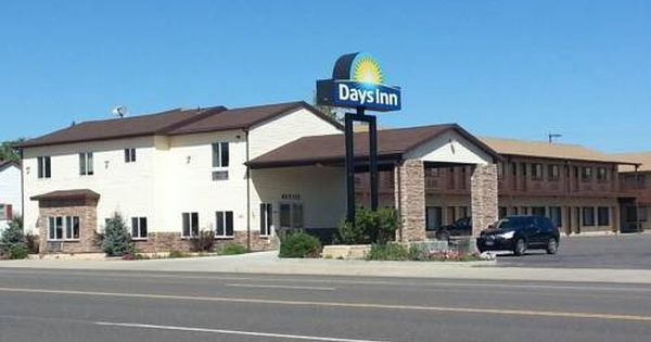 Days Inn Panguitch Panguitch Utah Featuring A Seasonal Outdoor Pool Days Inn Panguitch Is 25 Minutes Drive From Br Outdoor Pool House Styles Panguitch Utah