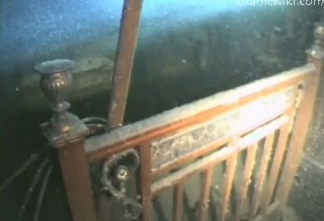 Titanic Grand Staircase Underwater | Pictures of The ...  Titanic Grand S...