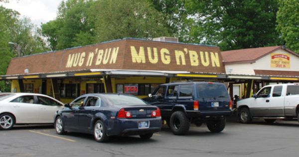 Mug N Bun Indianapolis Drive In For Some Home Made Root Beer And Tons Of Food Mug N Bun Indianapolis Indianapolis Indiana