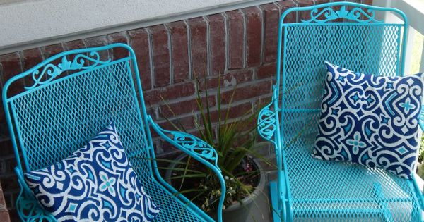 Painting Vintage Outdoor Furniture