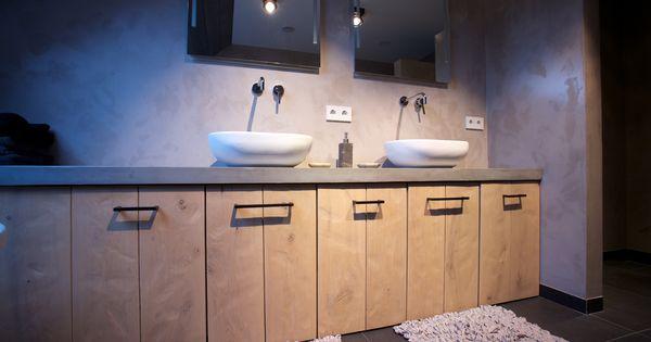 Landelijk modern badkamer meubel uitgevoerd in robuust eiken voorzien van een blad uitgevoerd - Badkamer meubel model ...