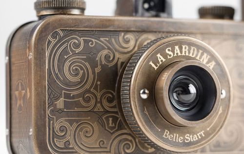 La Sardina Camera & Flash. Deliziosamente steampunk! ;)