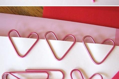 DIY: heart-shaped paper clips. valentine office