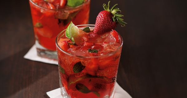 Strawberry Mojitos Ana And Kate Enjoy At The Zig Zag Bar In Fifty Shades Freed Page 160 California Pizza Kitchen Menu California Pizza Kitchen Food And Drink