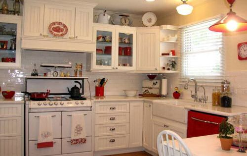 Traditional kitchen designs timeless and elegant for Classic timeless kitchen designs