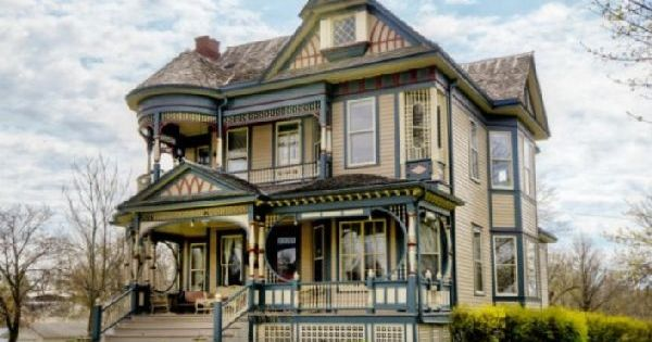 Barber Shop Queen Anne : Queen anne, Home design and House interiors on Pinterest