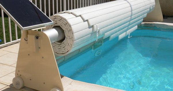 Solar Automatic Pool Cover Mouv And Roll Azenco Swim Protect Piscine Bois Piscine Octogonale Couverture De Piscine