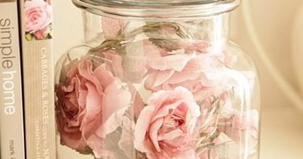 Big glass jar with paper/silk or dried flowers +++