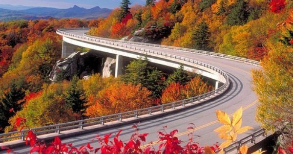 Autumn, Blue Ridge Parkway, Asheville, North Carolina photo via besttravelphotos roadtrip