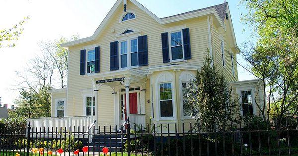 Beautiful exterior color scheme using permanent paint for Beautiful exterior paint color combinations
