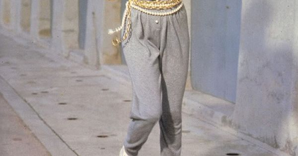 chanel tracksuit. throwback to linda evangelista jogging in a chanel tracksuit | cool bananas pinterest evangelista, vintage and .