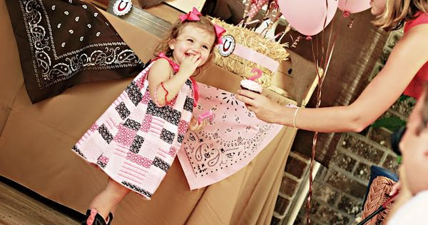 Adorable western birthday!!! This will be so cute for Taytum's 2nd bday!!