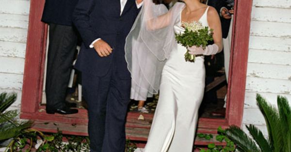Carolyn Bessette Kennedy Wore A Custom Made Gown By