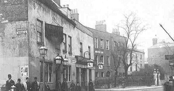Red Lion Stoke Newington 1890 London Old School Photos Pinterest Church London And The