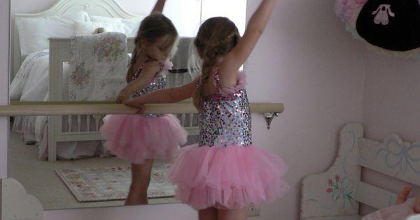 DIY Ballet Mirror for a little girls bedroom kids rooms
