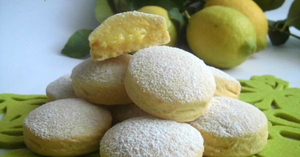 Biscotti con crema al limone | Biscotti, Lemon Cream and Biscuits