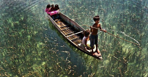 CLEAR WATERS!! Life in Semporna, a town located in Tawau Division, in