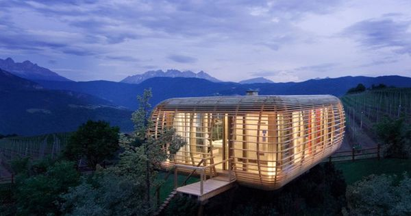 Tree house transportable cube - South Tyrol, Italy