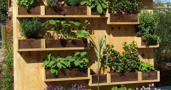 Meraviglia fattibile parete in legno con mensole for Plantaciones verticales
