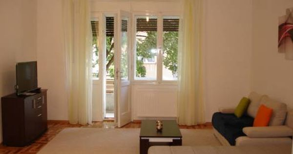 Apartmentbed4u Offers Quality Accommodation In Center Zagreb The Apartment Is Located On The First Floor O Croatia Apartments Apartment Residential Building