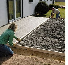 Home Dzine How To Lay A Diy Concrete Patio Diy Concrete Patio Concrete Patio Diy Patio