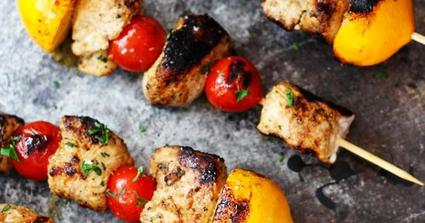 Lemon Chicken and Harissa Yogurt | Rezept