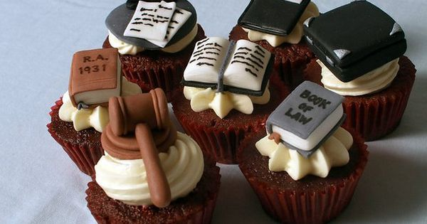 Law Themed Chocolate Cupcakes Graduation Pinterest