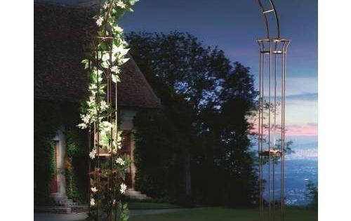 Arco solar de jard n estilo romano jardiner a bancos for Arco decorativo jardin
