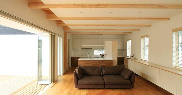 天井高さ2 7mの居間 食堂 台所一体空間 住宅 注文住宅 家