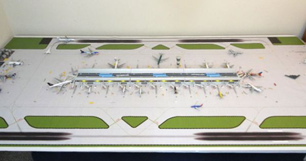 1 400 Dual Runway 1 Model Airport Airport Model Airplanes Aircraft Modeling