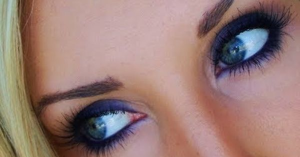 Simple Smokey Navy Eyes Easy New Year S Eve Makeup Youtube New Years Eve Makeup Navy Eye Makeup Makeup