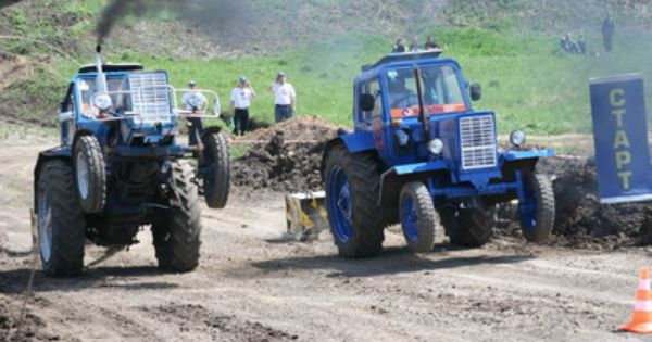 Turbo Tractor Racing Funny Pictures Jokes Ranking Tractors Funny Picture Jokes Racing
